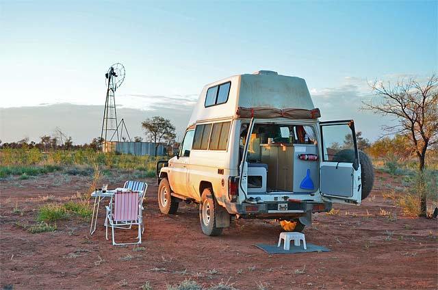 06-Bushcamper-Hightop-2-Seater-Renahans-Bore-Tanami