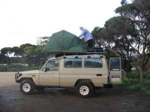 rooftent-2-perth-L-300x225